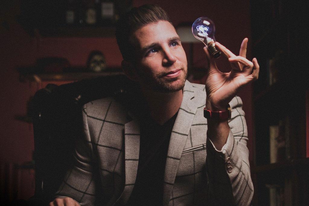 Joshua Jay Magician